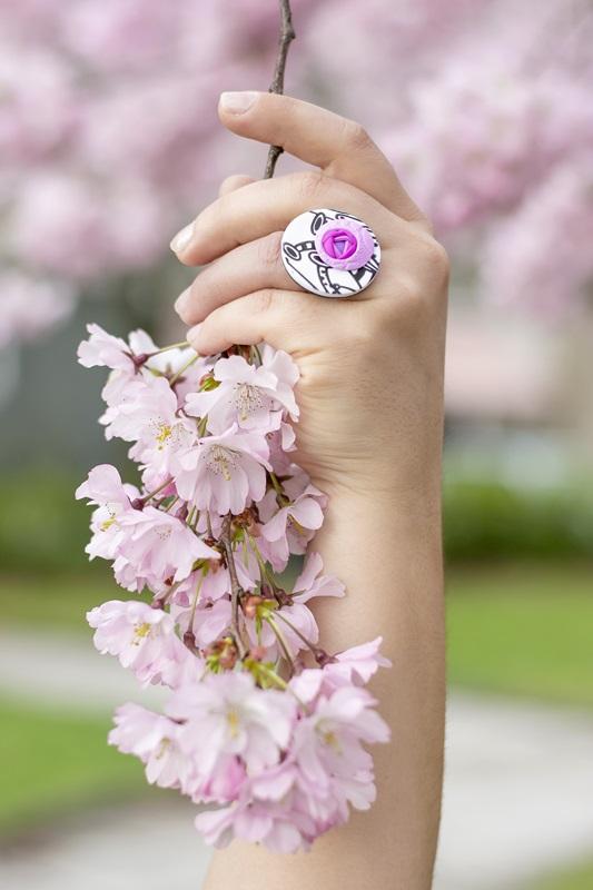 004 - Cvetoče japonske češnje in pomladna kolekcija nakita Bloom